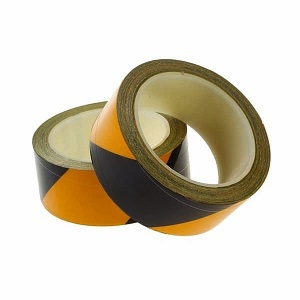 BLACK/YELLOW REFLECTIVE SELF-ADHESIVE HAZARD TAPE - ROLL OF 40MM X 9M